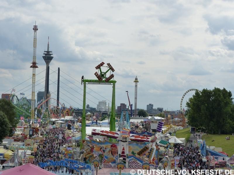 Düsseldorf Größte Kirmes am Rhein